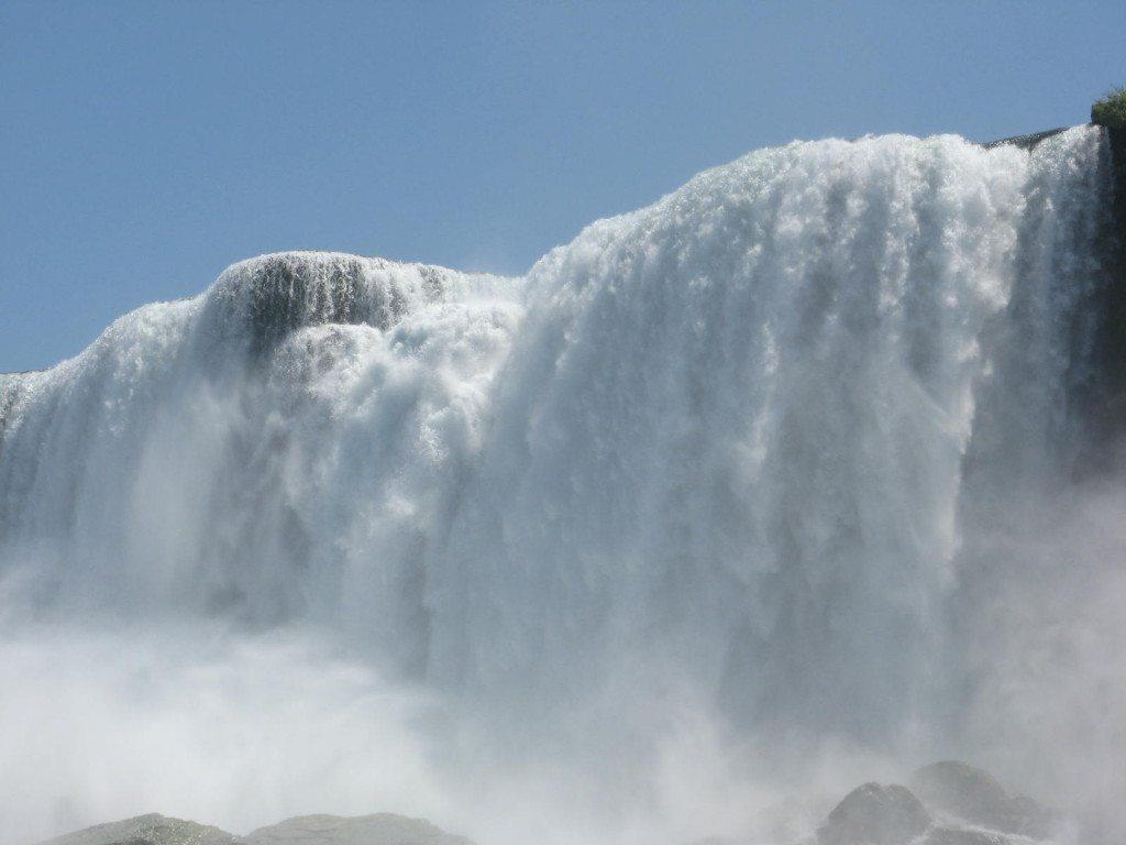 Die berühmten Niagarafälle (© Julia Lutz / pixelio.de)