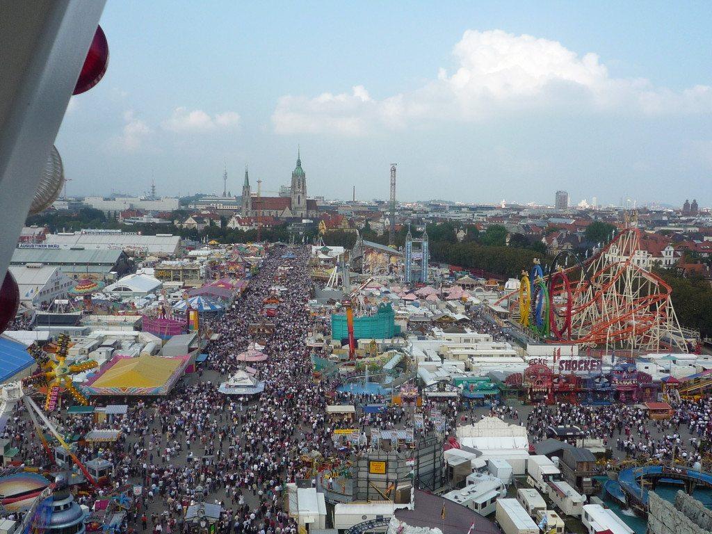 """Die """"Wies'n"""" ist das grösste Volksfest der Welt. (©Susanne Beeck / pixelio.de)"""