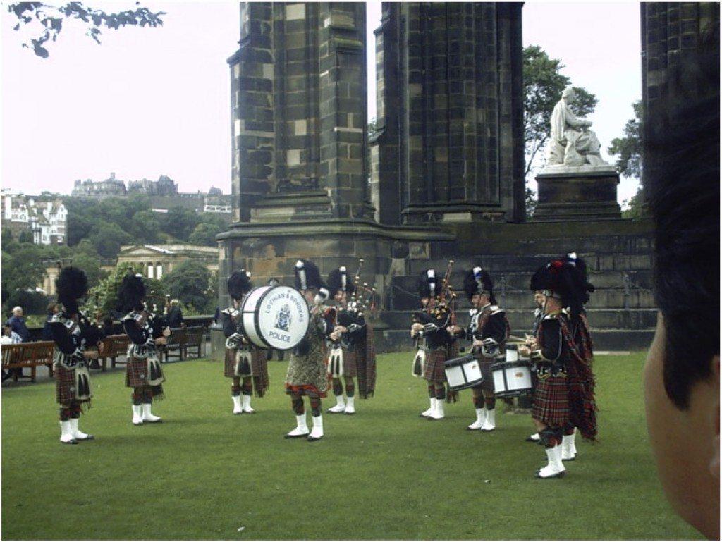 Dudelsackspieler in Edinburgh. (© Alin Cucu)