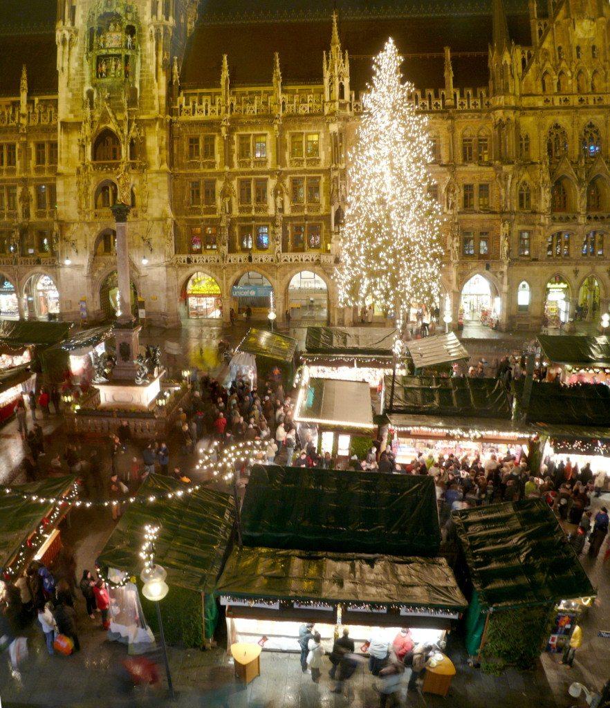 Der Münchner Christkindlmarkt (© Ramessos / Wikimedia / CC)