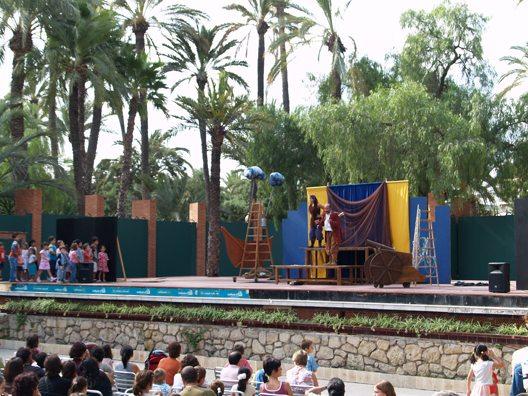 Das Kindertheater im Stadtpark von Elche (Bild: Natalia Muler)