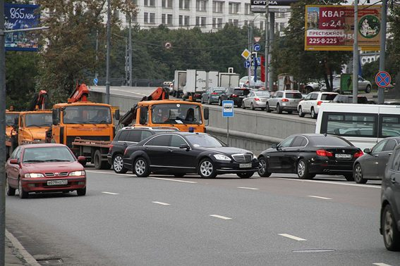 Ein Autounfall auf Moskauer Strassen (© Oleg Yunakov / Wikimedia / CC)