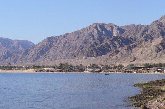Nuweiba, Beduinenstrand Tarabeen (Urheber: Cairocamels B. Simpson / Wiki)