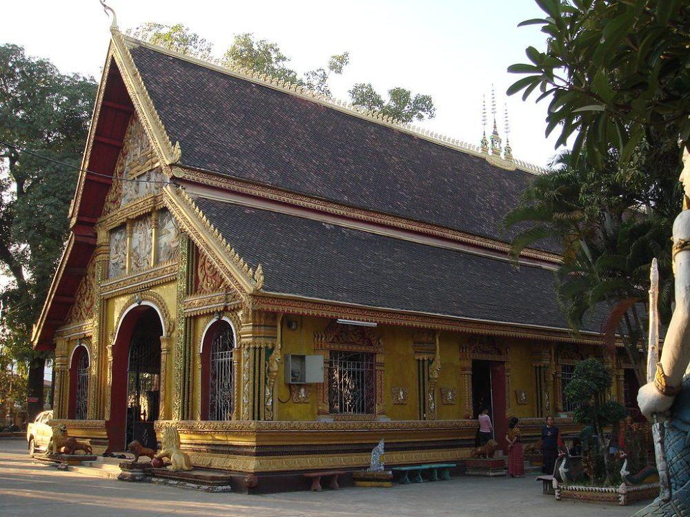 "Kloster Wat Si Muang, Vientiane, Laos. (Urheber: Ondřej Žváček / Wiki / <a href=""https://creativecommons.org/licenses/by-sa/3.0/deed.en"" target=""_blank"">CC</a>)"