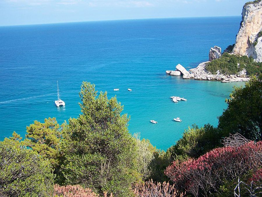 Bucht von Cala Luna, Sardinien (Bild: K. Härtling, Wikimedia, CC)