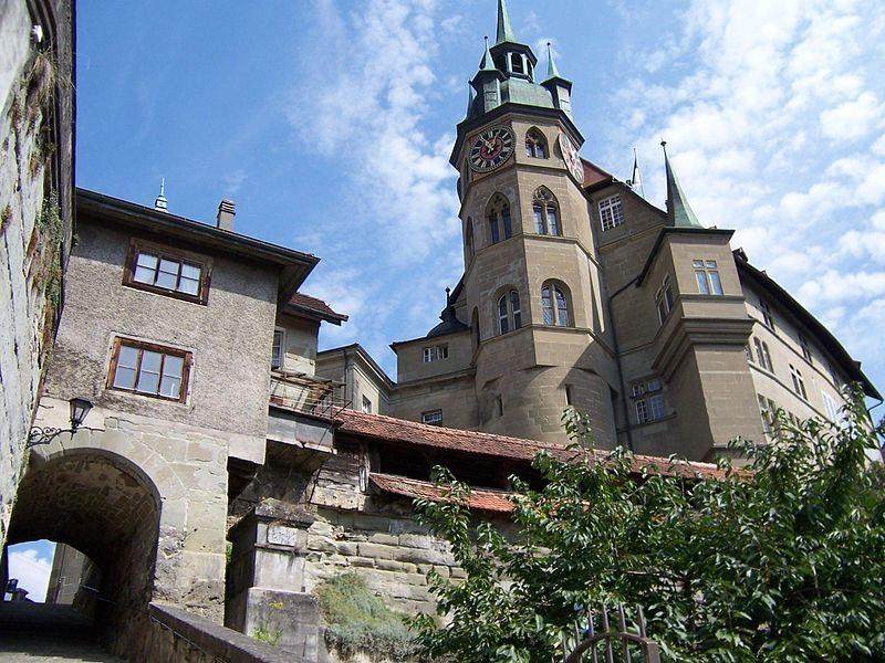"""Rathaus von Freiburg, Schweiz. (Urheber: Jungpionier / Wiki / Lizenz:<a href=""""https://creativecommons.org/licenses/by-sa/2.5/deed.de"""" target=""""_blank""""> CC</a>)"""