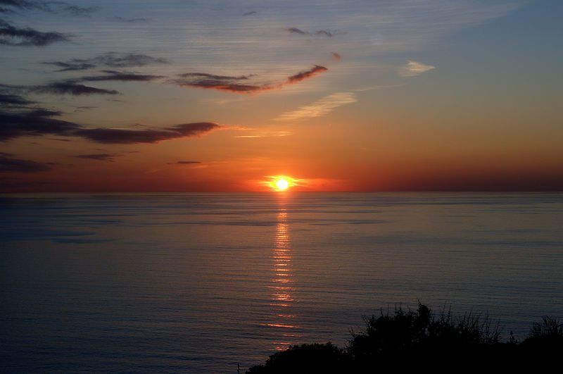 Sonnenuntergang in Sardinien (Bild: Michal Osmenda, Wikimedia, CC)