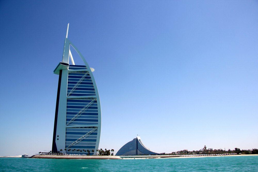 Burj Al Arab, Dubai. (Urheber: Reinhold Kiss / pixelio.de)