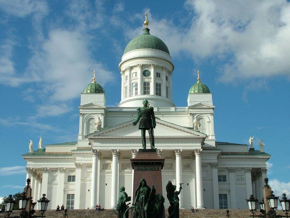 """Der Dom von Helsinki, Finnland. (Urheber: Clemensfranz / Wiki / Lizenz: <a href=""""http://creativecommons.org/licenses/by/3.0/deed.de"""" target=""""_blank"""">CC</a>)"""