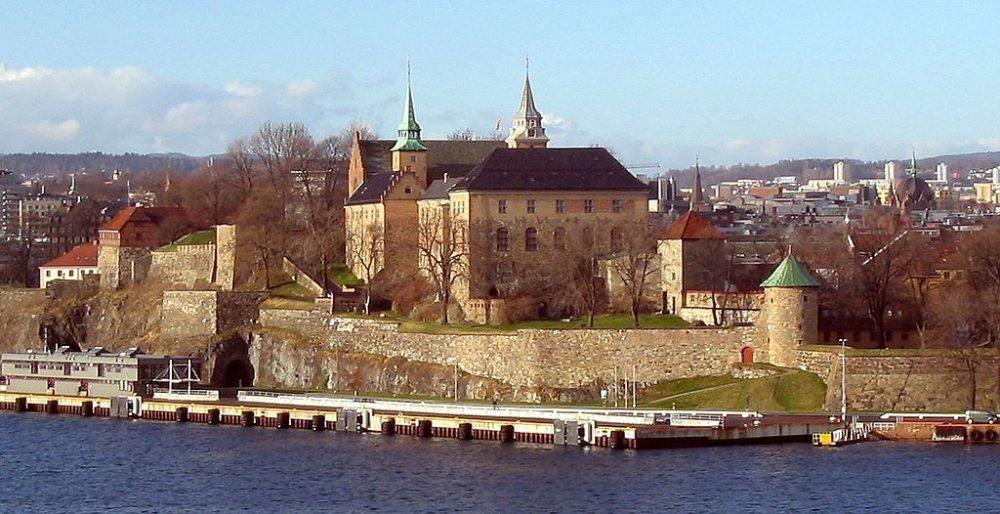 "Festung Akerhus, Oslo. (Urheber: Tomasz Sienicki, 2005 / Lizenz: <a href=""https://creativecommons.org/licenses/by/2.5/deed.en"" target=""_blank"">CC</a>)"