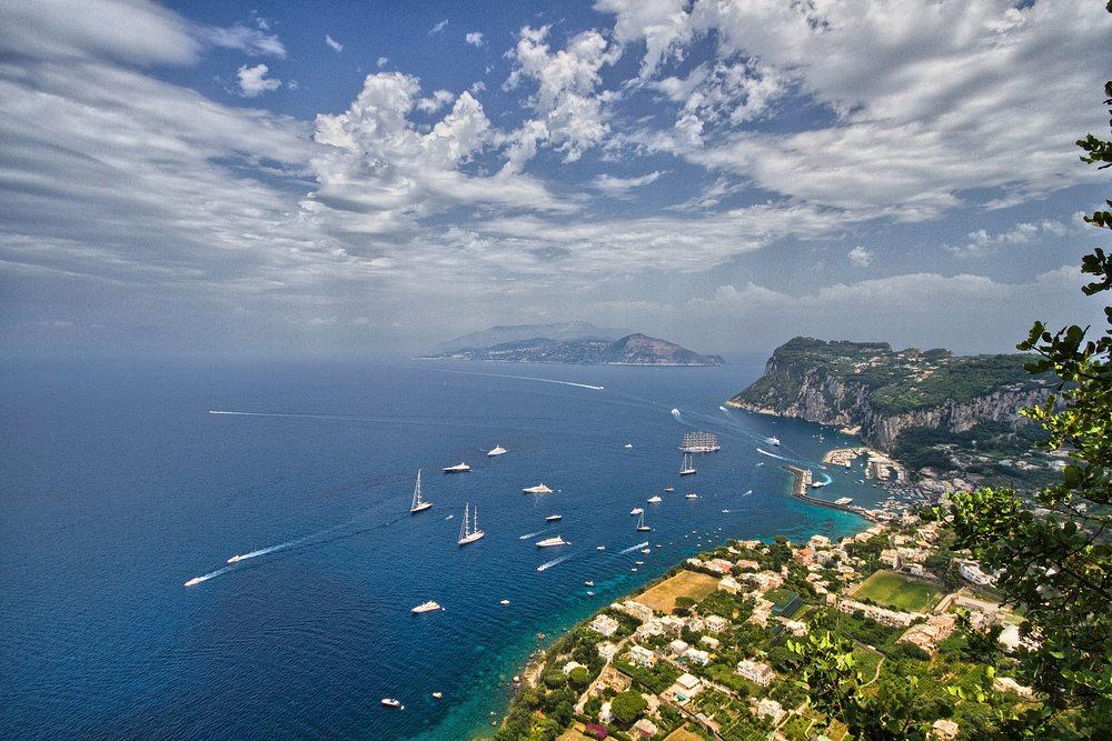 Hafen von Capri. (Urheber: Martina Friedl / pixelio.de)