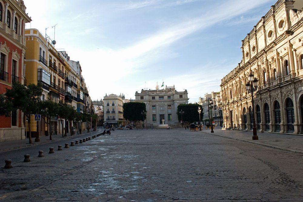 "Plaza de San Francisco, Sevilla. (Urheber: Anual / Wiki / Lizenz: <a href=""http://creativecommons.org/licenses/by/3.0/deed.de"" target=""_blank"">CC</a>)"