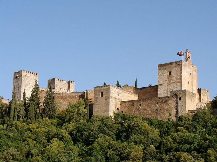 Die Alcazaba von Alhambra (Bild: Jebulon, Wikimedia, CC)
