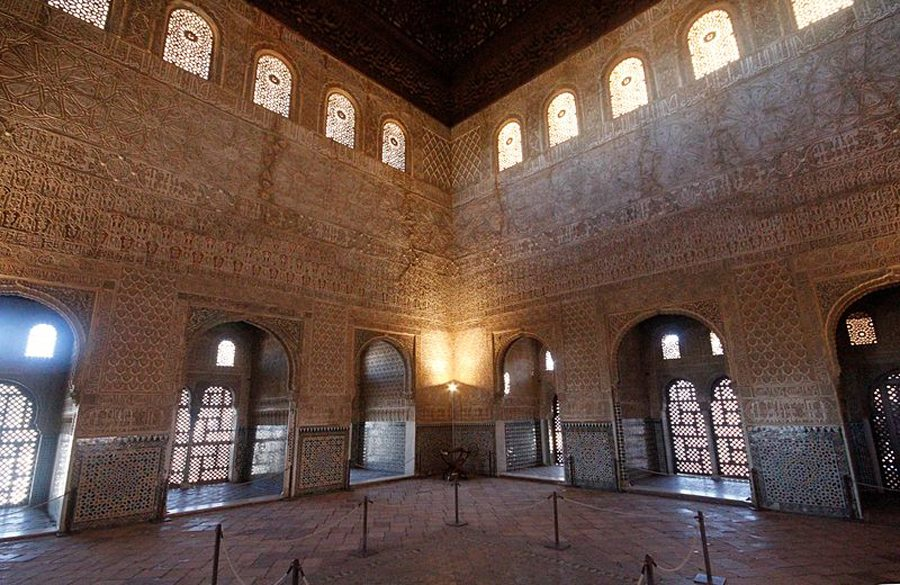 Im Thronsaal der Alhambra (Bild: © José Luiz Bernardes Ribeiro, Wikipedia, CC)