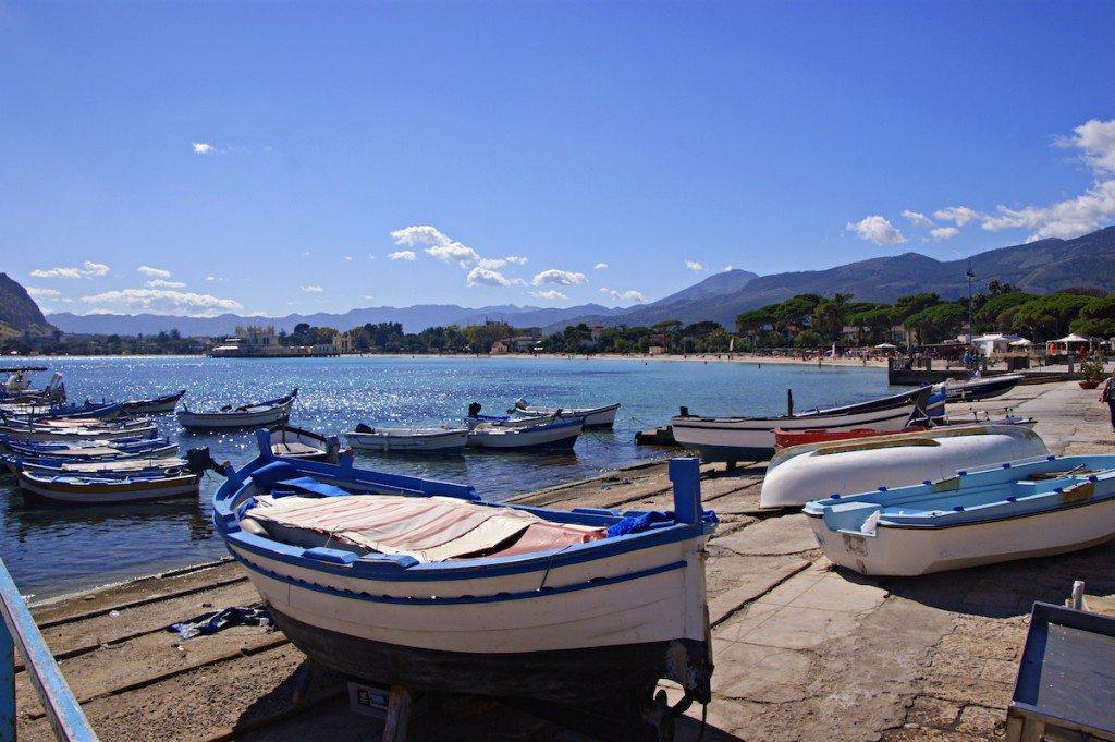 Mondello ist Palermos littoraler Aussenposten. (Bild: Katharin Wieland Müller / pixelio.de)