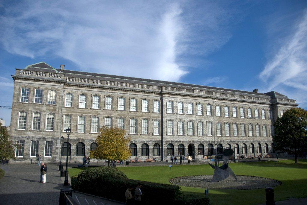 Die Alte Bibliothek des Trinity College. (Bild: Patrick Theiner / Wikimedia / CC)