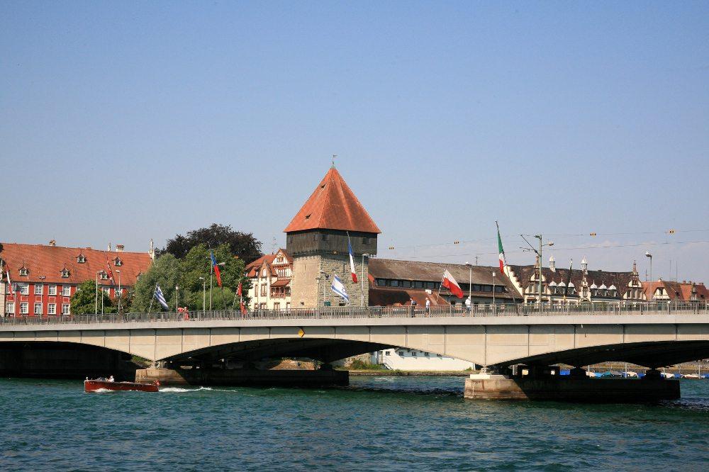 "Europabrücke in Konstanz. (Urheber: LouPe / <a href=""http://pixelio.de"" target=""_blank"">pixelio.de</a>)"