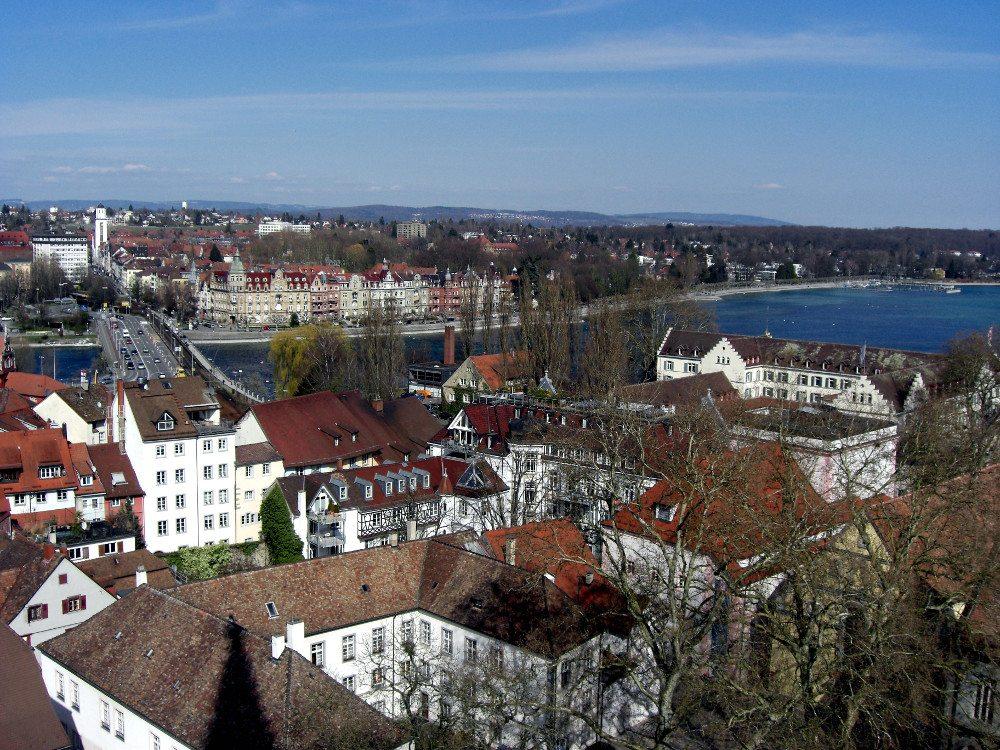 """Ausblick vom Münster in Konstanz. (Urheber: Sybille Daden / <a href=""""http://pixelio.de"""" target=""""_blank"""">pixelio.de</a>)"""