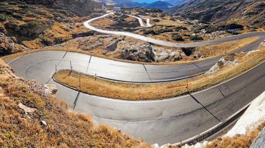 Die San Bernardino Route (Bild: © Matteo Ceruti - shutterstock.com)
