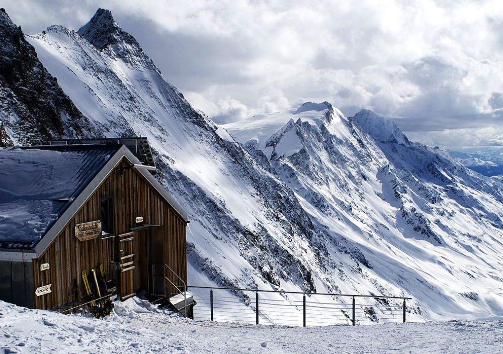 Blick nach Südsüdwesten von der Hollandiahütte im Lötschental (Bild: Konkord, Wikimedia, CC)