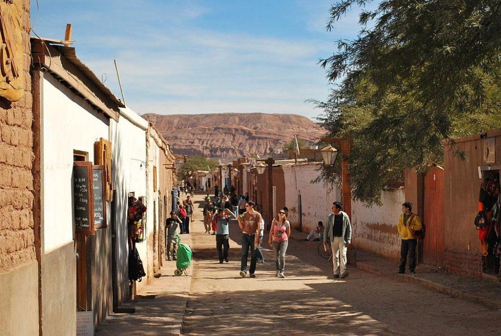 Eine Strasse in San Pedro de Atacama (Bild: Ana Raquel Hernandes, Wikimedia, CC) atacama wüste