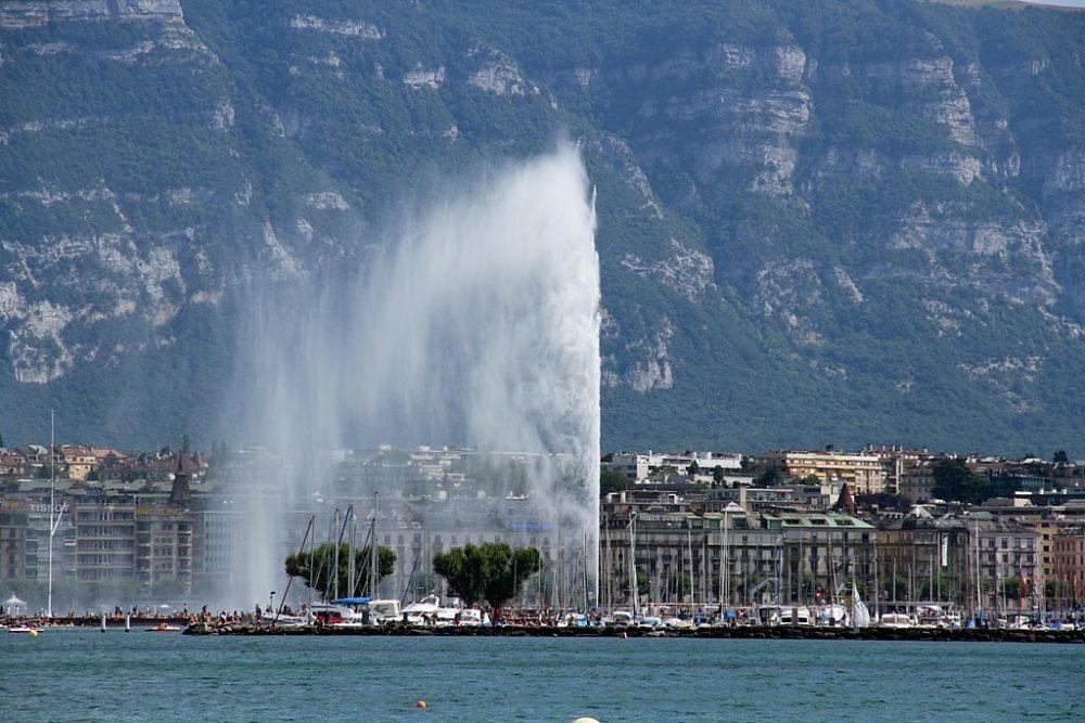 Die Fontäne Jet d'eau – ein Symbol von Genf (Bild: Lional Rajappa, Wikimedia, CC)
