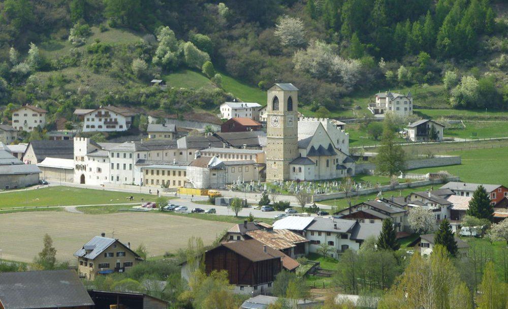 Benediktinerinnenkloster Müstair (Bild: Adrian Michael, Wikimedia, CC)