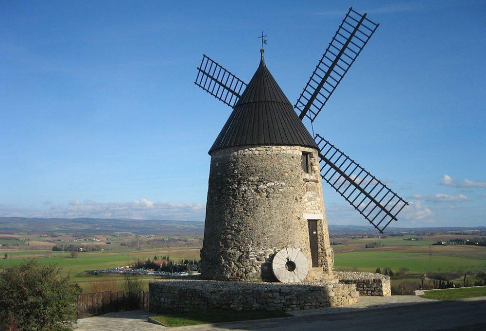 Mühle Cugarel bei Castelnaudary (Bild: Mcewan, Wikimedia, CC)