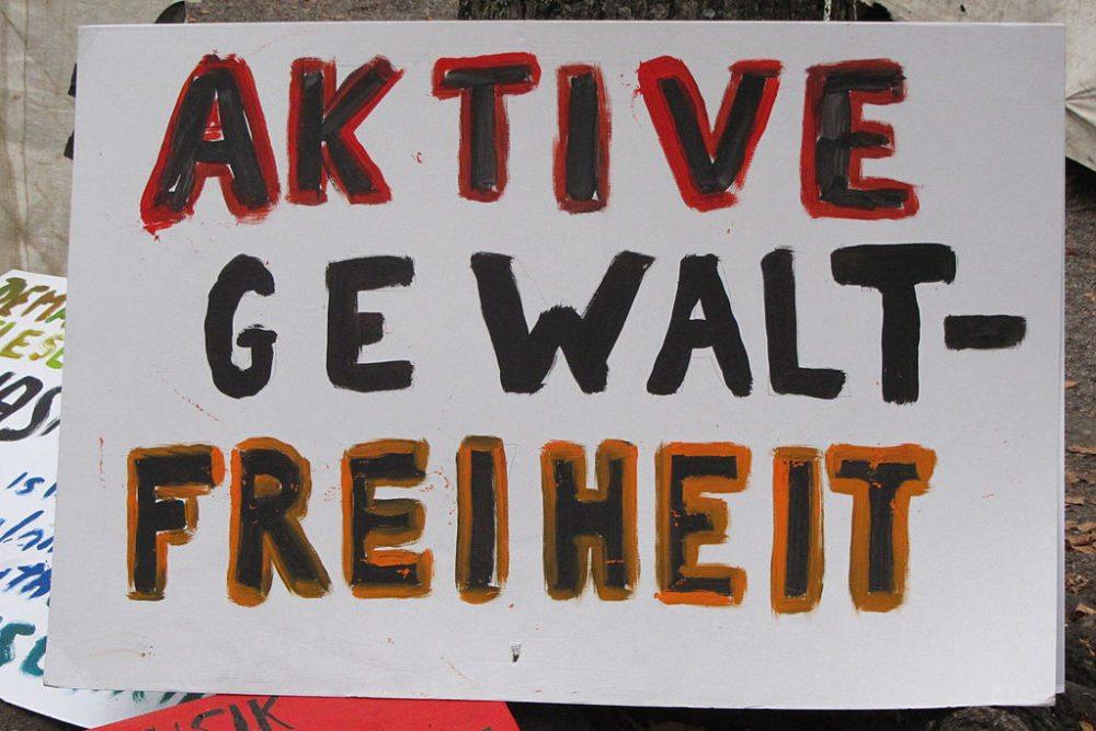 Ein Schild in Zürich-Lindenhof (Bild: Ronald zh, Wikimedia, CC)
