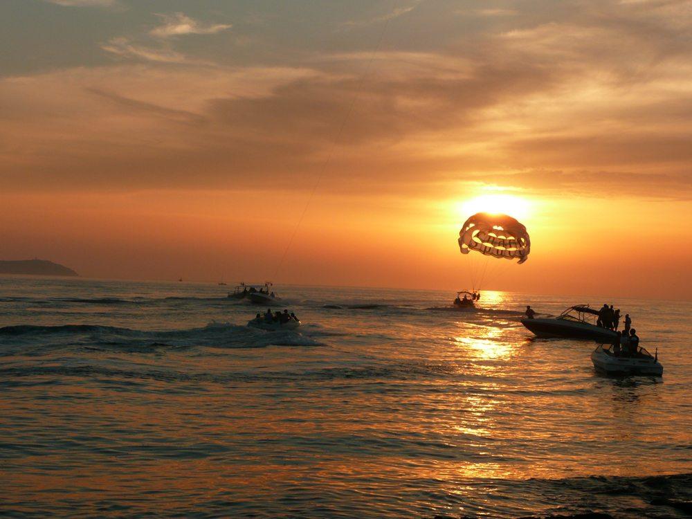 Sonnenuntergang auf Ibiza (Bild: Petra Fischer  / pixelio.de)