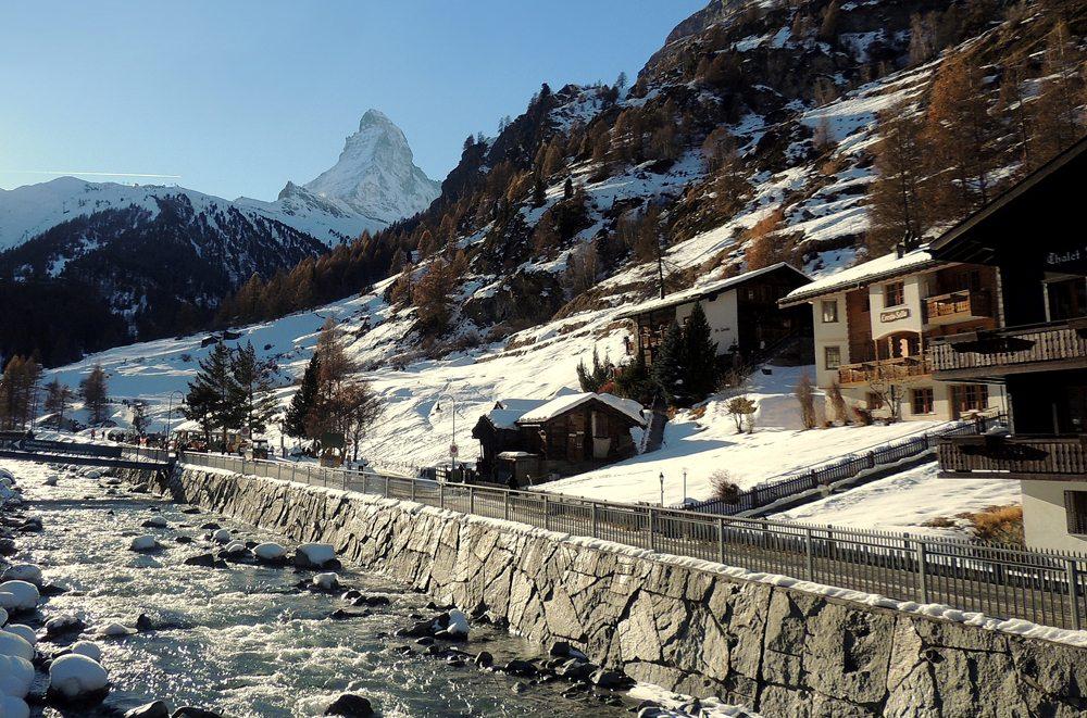 Zermatt mit Matterhorn im Hintergrund (Bild: Katharina Wieland Müller  / pixelio.de)