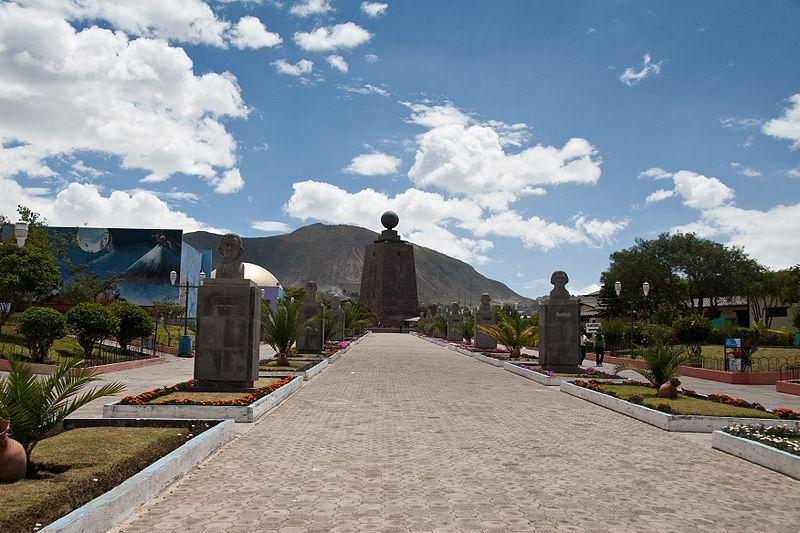 Äquator-Monument Mitad del Mundo (Bild: Maros / pt.wikipedia / Lizenz: CC)