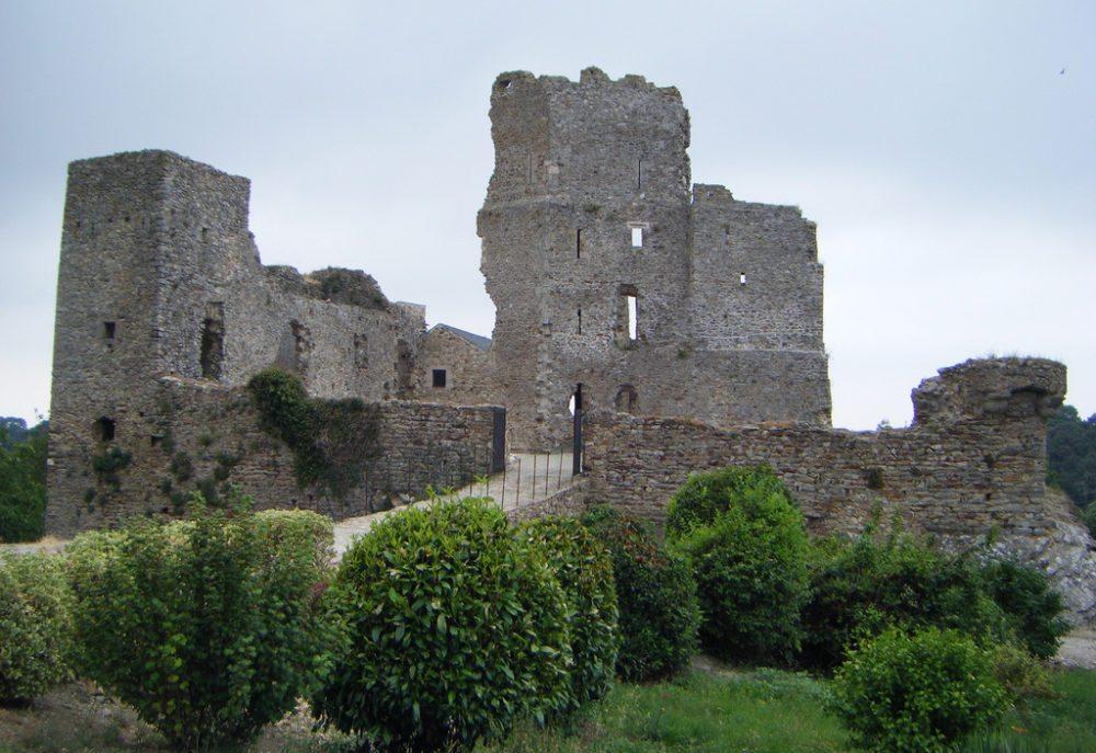Chateau de Saissac (Bild: Richard Barley, Wikimedia, CC)