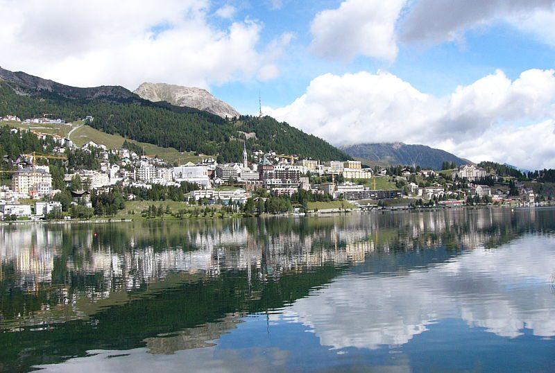 Blick auf St. Moritz (Bild: Bonza, Wikimedia, CC)