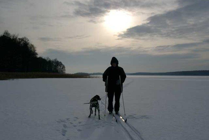 """Masuren – das Winterparadies für Skilangläufer (Bild: ©Landhaus-Pension """"Krutynska Chata"""")"""
