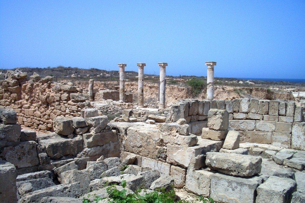 Die Königsgräber von Paphos gehören zum UNESCO-Weltkulturerbe. (Bild: Traumwelten / pixelio.de)
