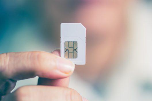Möglichst schnell eine lokale SIM-Karte kaufen! (Bild: justyle - shutterstock.com)