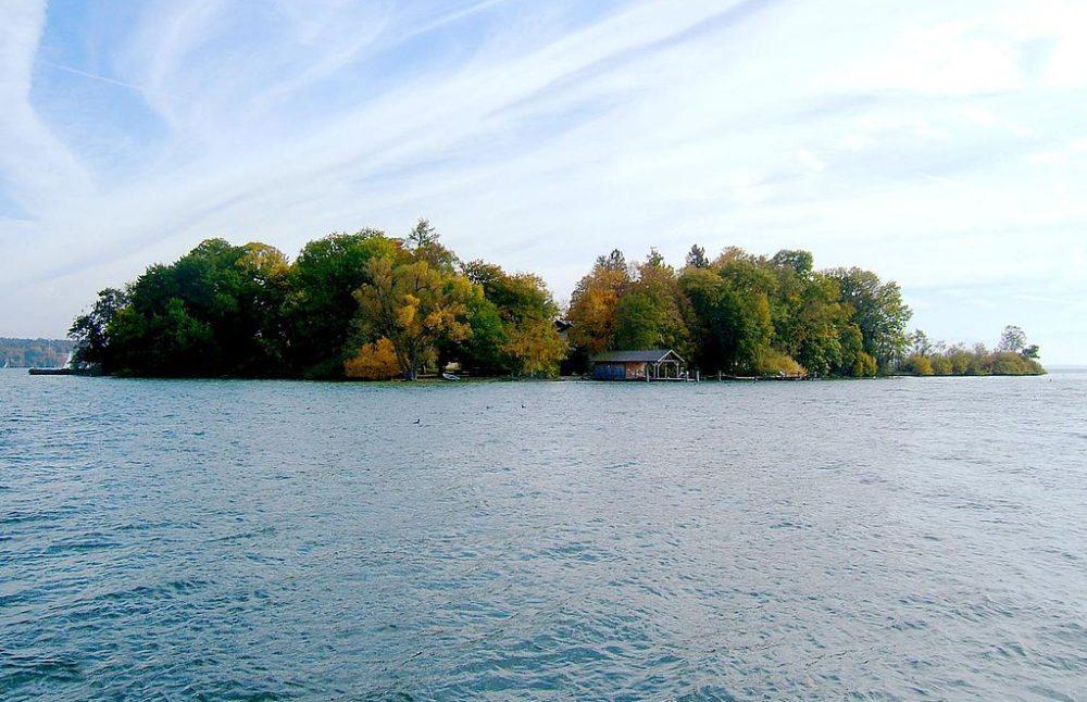 Die Roseninsel im Starnberger See (Bild: Petermann, Wikimedia, CC)