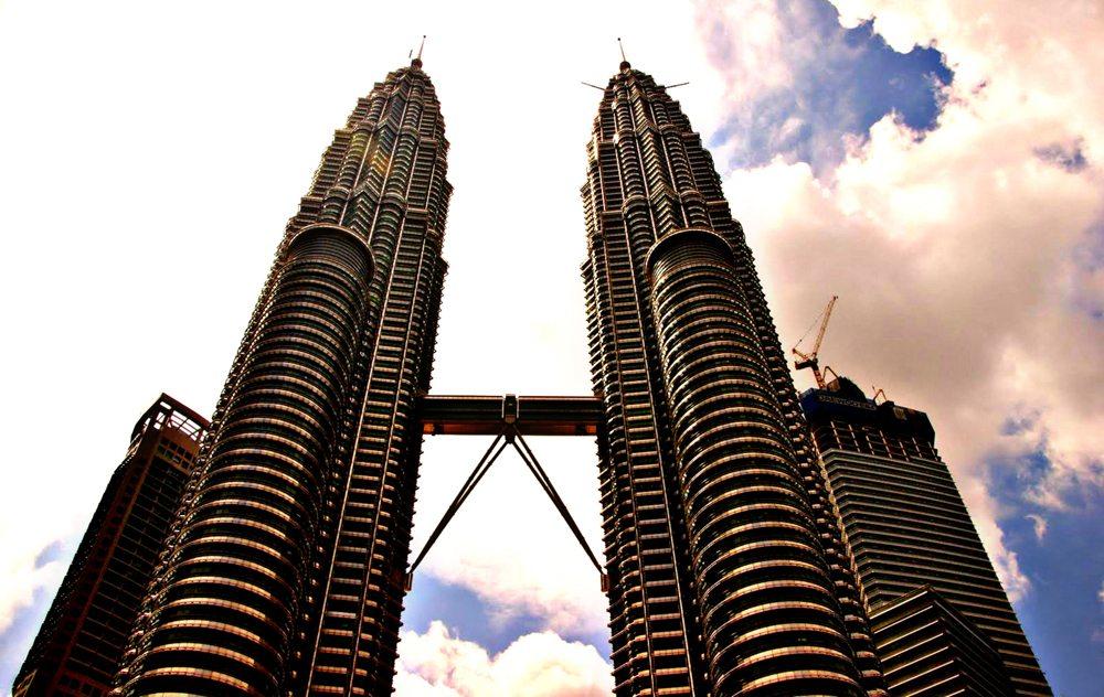 Petronas Twin Towers in Kuala Lumpur (Bild: Katharina Wieland Müller  / pixelio.de)