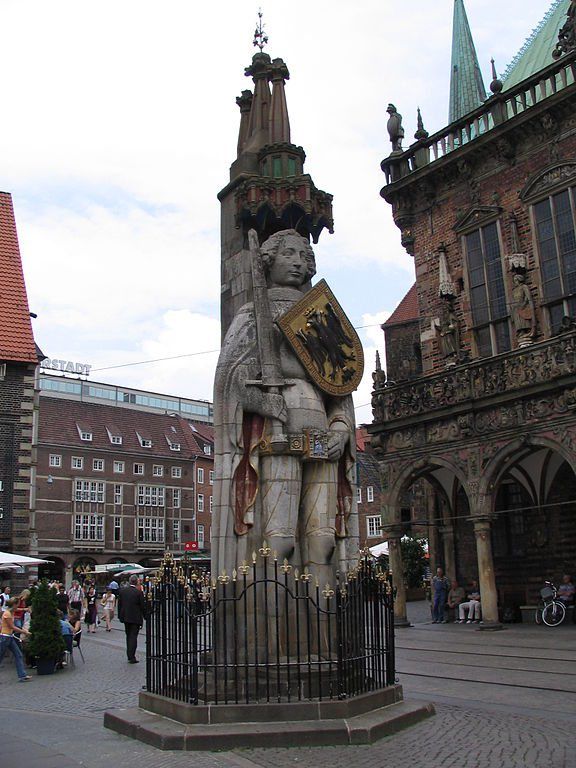 Bremer Roland auf dem Marktplatz (Bild: Richard A. Wells / Wikimedia / CC)