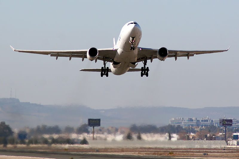Klimakiller Flugzeug (Bild: curimedia / Wikimedia / CC)