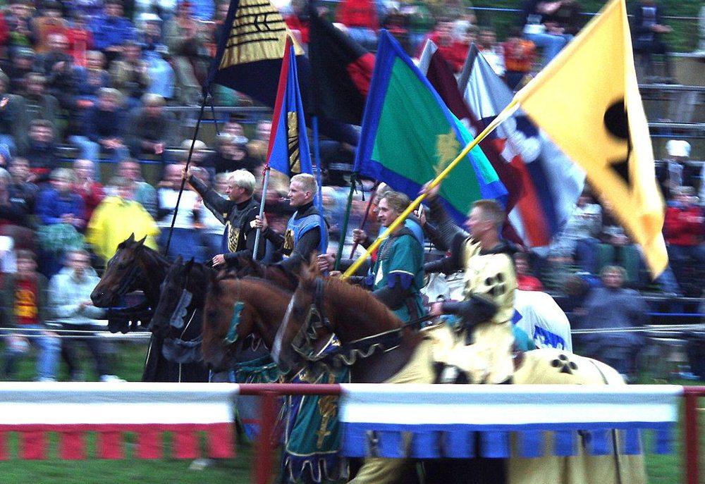 Großes Ritterturnier auf der Medeltidsveckan in Visby, Gotland (Bild: Ökologix)
