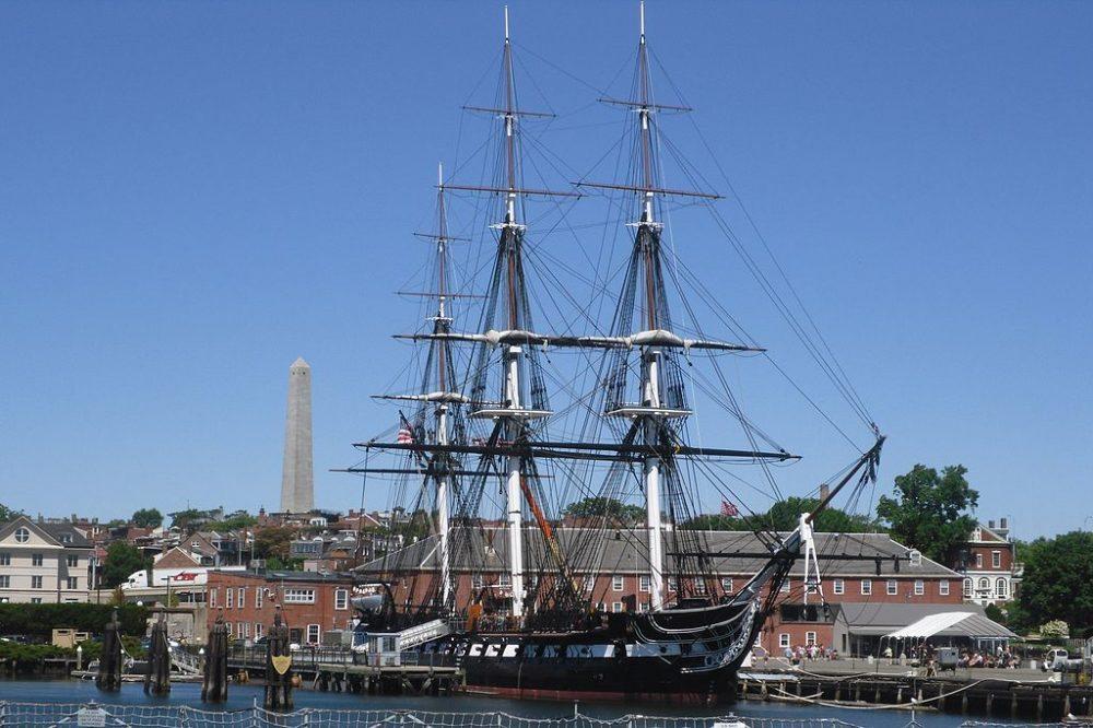 Die USS Constitution im Hafen von Boston (Bild: Elmschrat Coaching38, Wikimedia, CC)