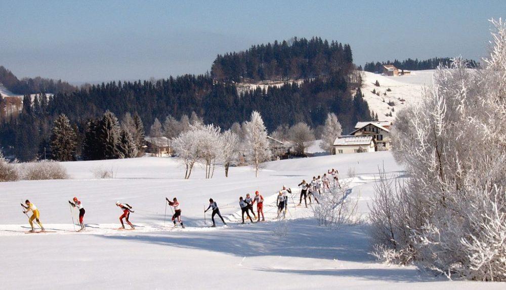 Langlauf auf der Loipe Schwedentritt, Einsiedeln (Bild: Markus Bernet, Wikimedia, CC)