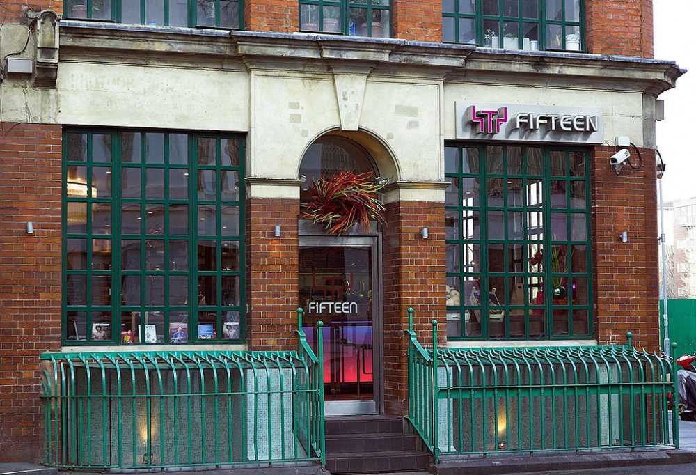 "Jamie Olivers Restaurant ""Fifteen"" in London (Bild: The Hammer, Wikimedia, CC)"