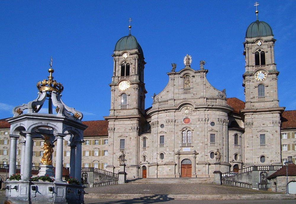 Kloster Einsiedeln – der bedeutendste Barockbau der Schweiz (Bild: Markus Bernet, Wikimedia, CC)