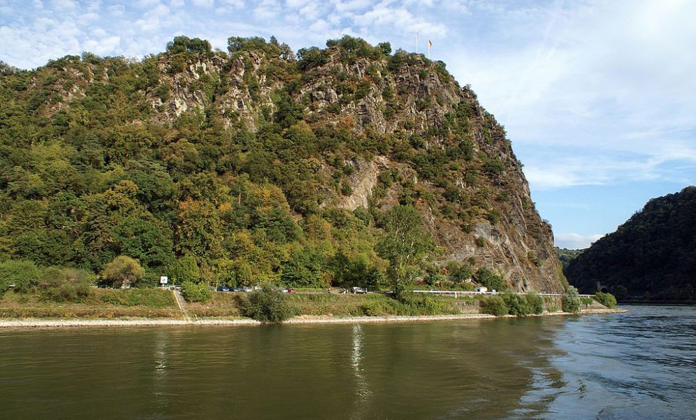 Loreley-Felsen am Rhein (Bild: Rolf Heinrich, Wikimedia, CC)