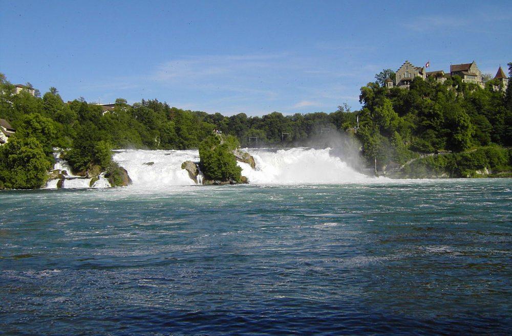 Rheinfall bei Schaffhausen (Bild: CrazyD, Wikimedia, CC)