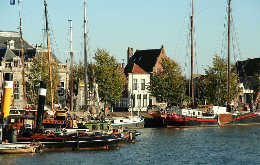 Hafen von Enkhuizen, Niederlande (Bild: Niels Bosboom, Wikimedia, CC)