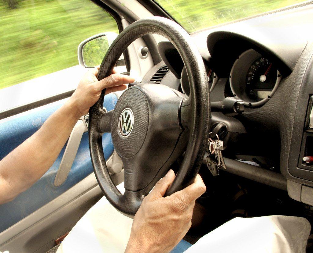 Ausgeruht, entspannt und sicher unterwegs (Bild: Helene Souza www.helenesouza.com  / pixelio.de)